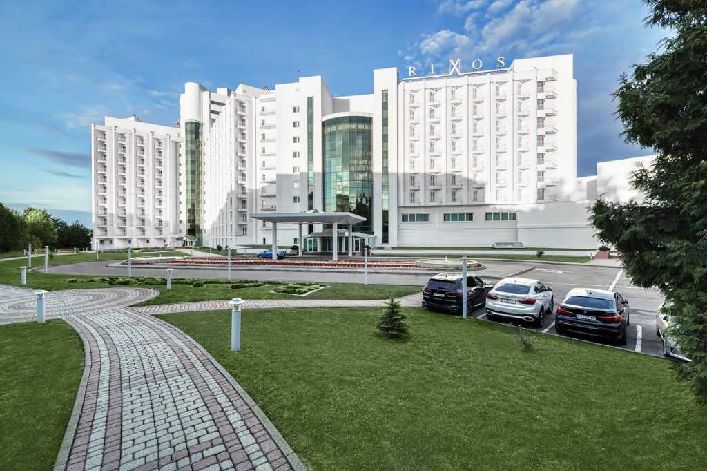 Отель Риксос, вид с улицы