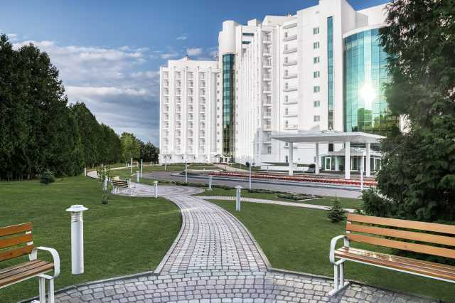 the territory of the complex Rixos Prykarpattya