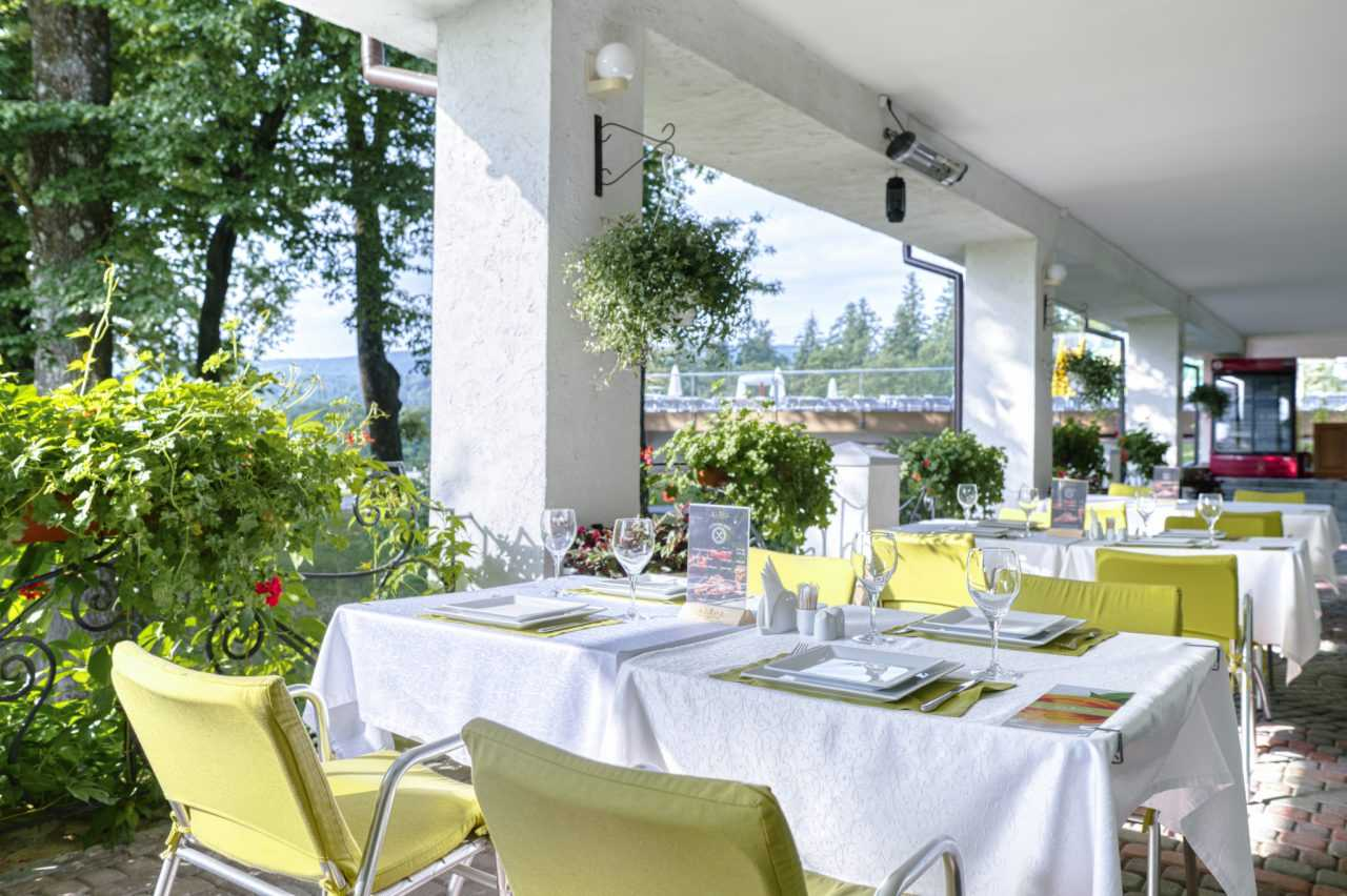 Summer terrace, hotel Rixos Prykarpattya
