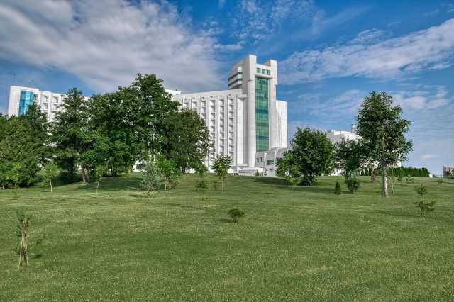 Парковая зона отеля Риксос