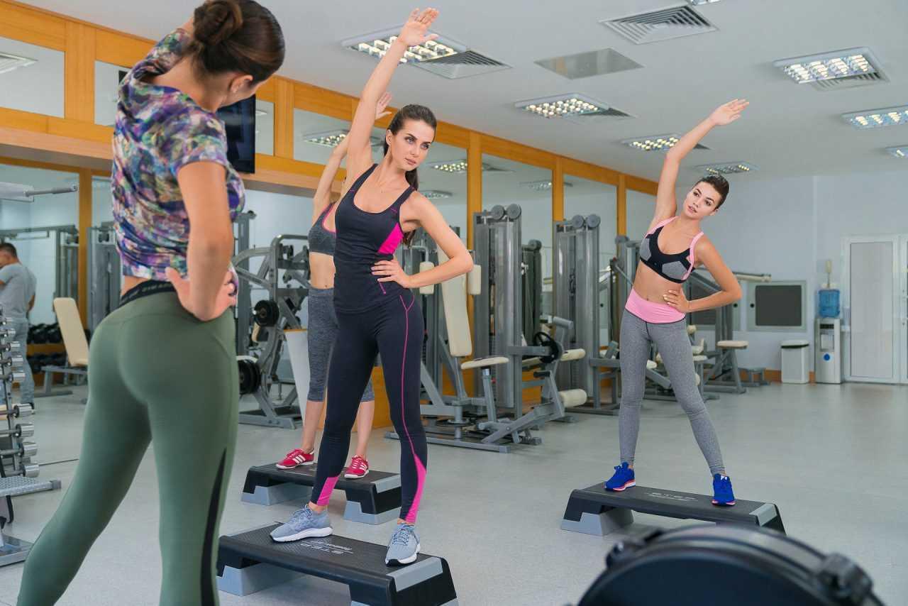 Груповые занятия фитнесом, отель Риксос