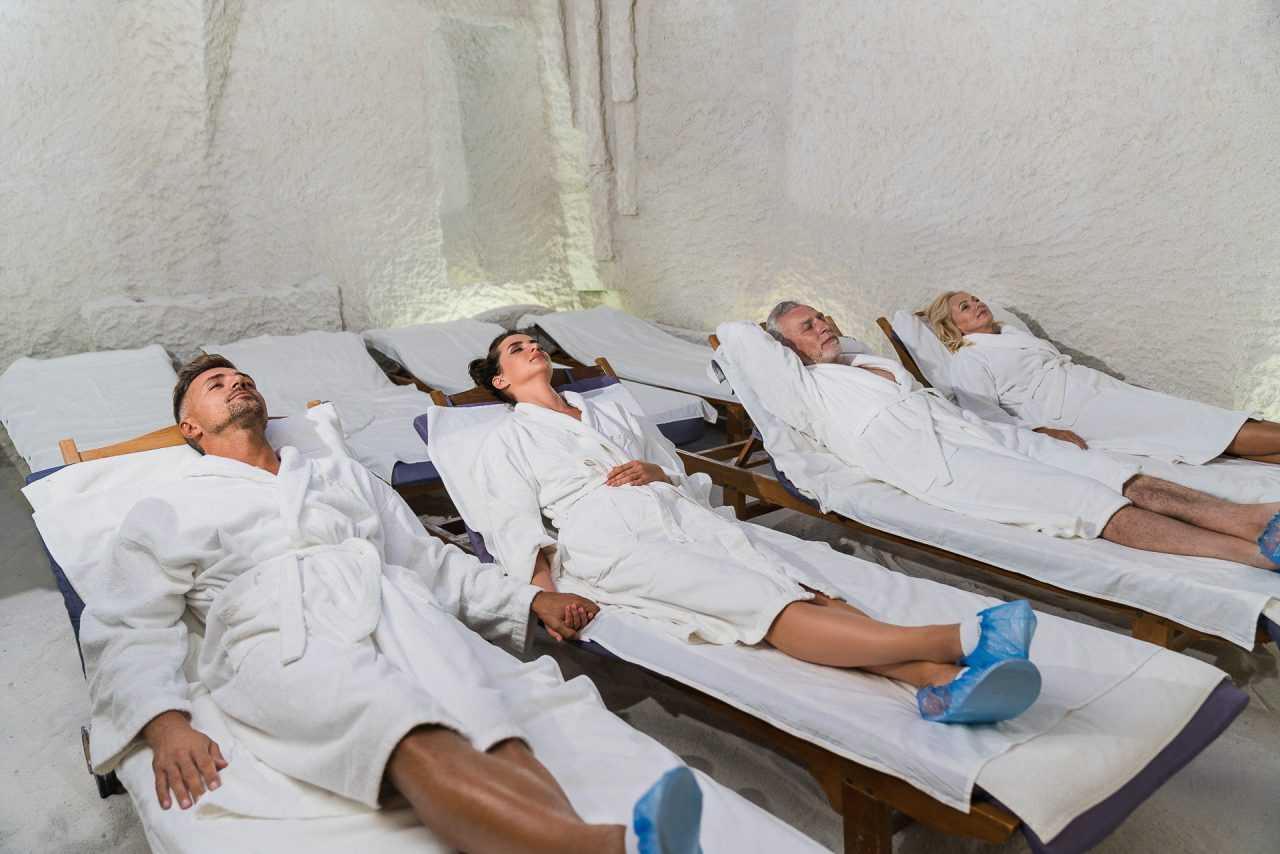 Лечение в соляной комнате, отель Риксос