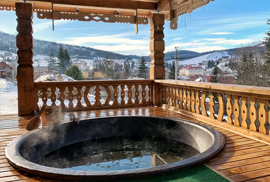 Отдых в Карпатах в бассейне