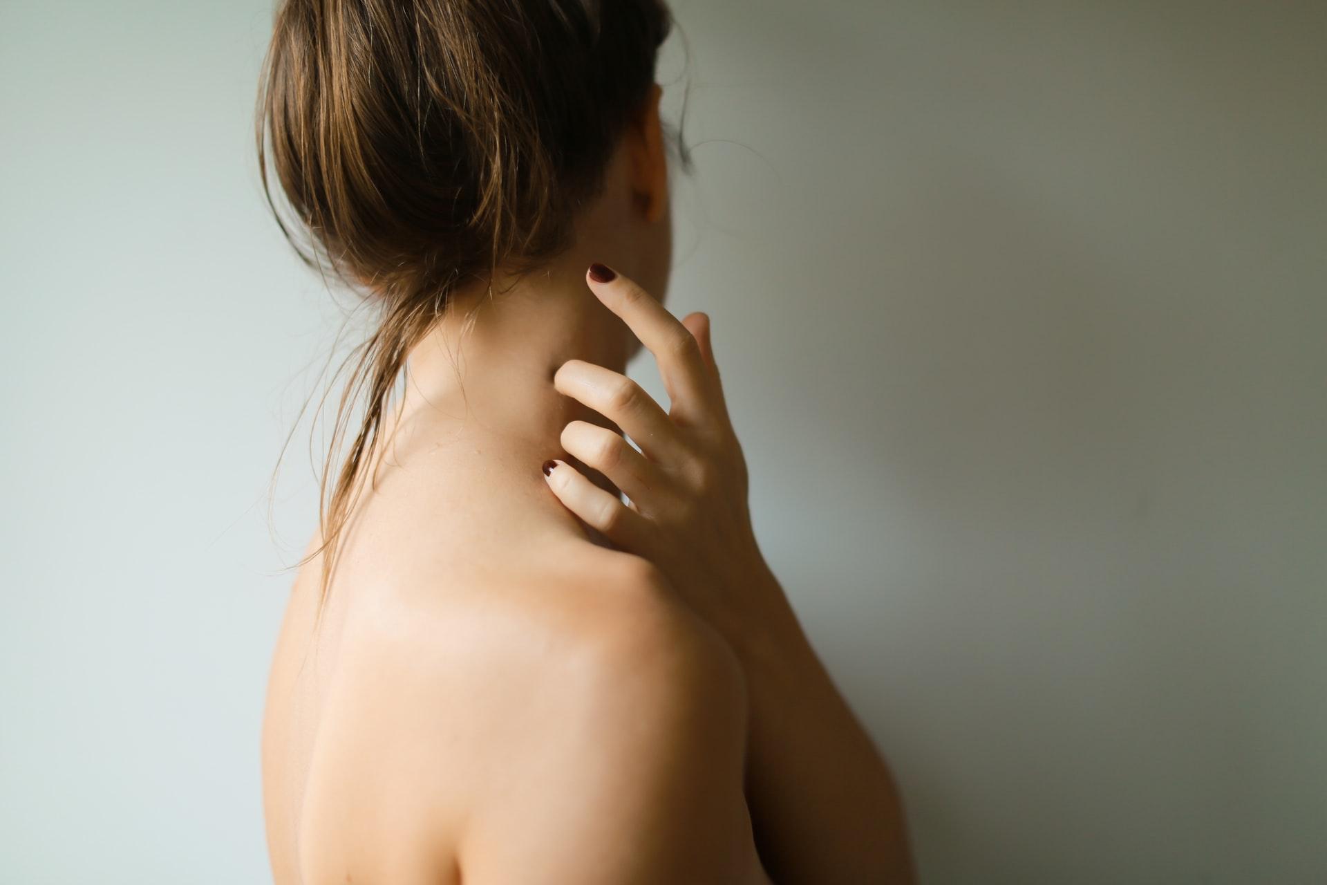 Микродермабразия шеи и декольте