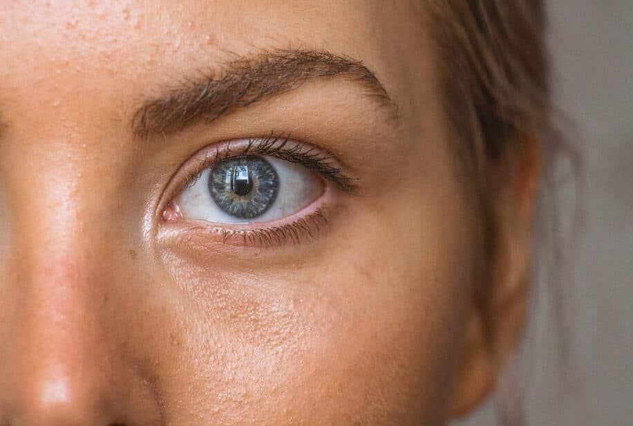 как улучшить кожу вокруг глаз